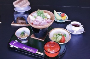 つくば鶏鍋御膳(2,000【税抜】)